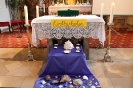 Altar mit Muscheln geschmückt