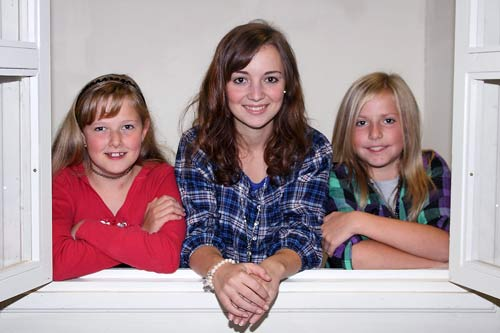 Corinna, Regina und Lena (v.l.n.r.) spielen erstmals beim Burgtheater mit.